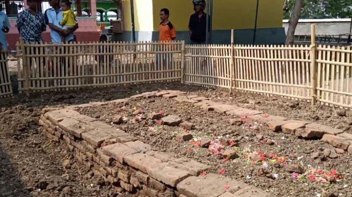 makam kuno yang tiba tiba meninggi