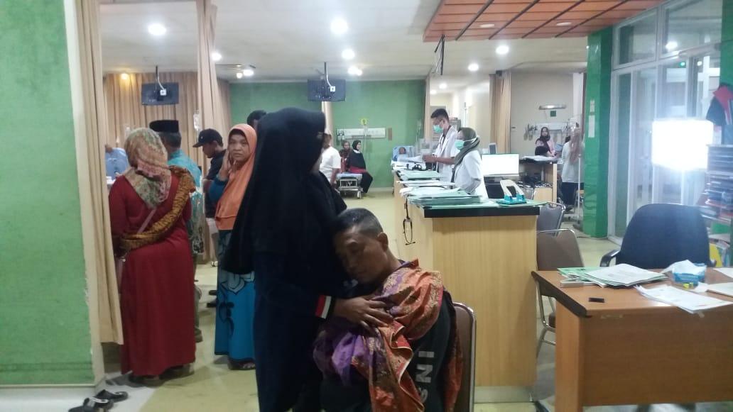 Pasien Pemilik KIS Saat Berobat di RSUD Kabupaten Bekasi