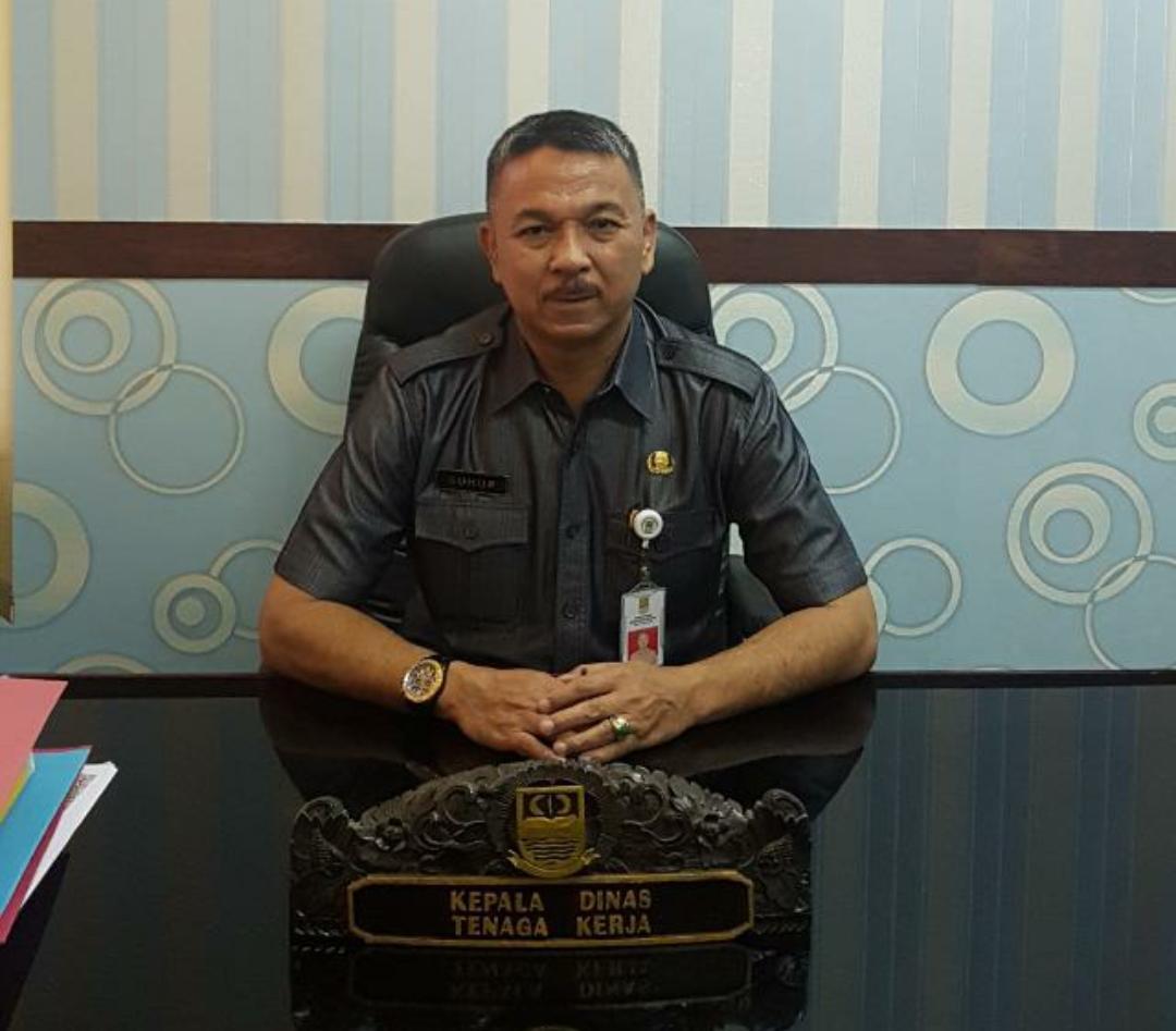 Kepala Dinas Tenaga Kerja Kabupaten Bekasi Suhup foto : Redaksi