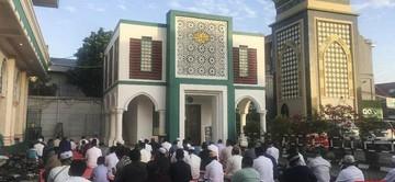 Sejumlah Masjid di Bekasi yang masuk dalam zona hijau virus corona diperbolehkan untuk menggelar salat Idul Fitri dengan menaati protokol kesehatan. (Foto : CNNIndonesia)