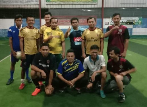 Tim Futsal para alumni SDN Bina Abadi angkatan '94 Desa Garawastu Kecamatan Sindang Kabupaten Majalengka, kembali melakukan tour laga persahabatan. Pada Kamis ( 25/6/2020 ).