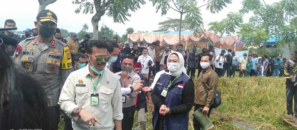 Menpan RI bersama Bupati Karawang dan Kapolda Jawa Barat
