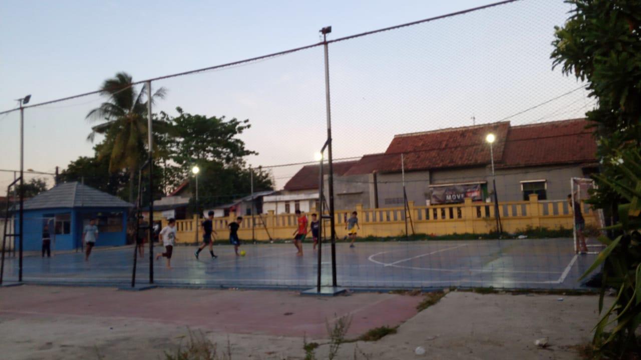 Lapangan Futsal Desa Sindang Jaya saat digunakan masyarakat