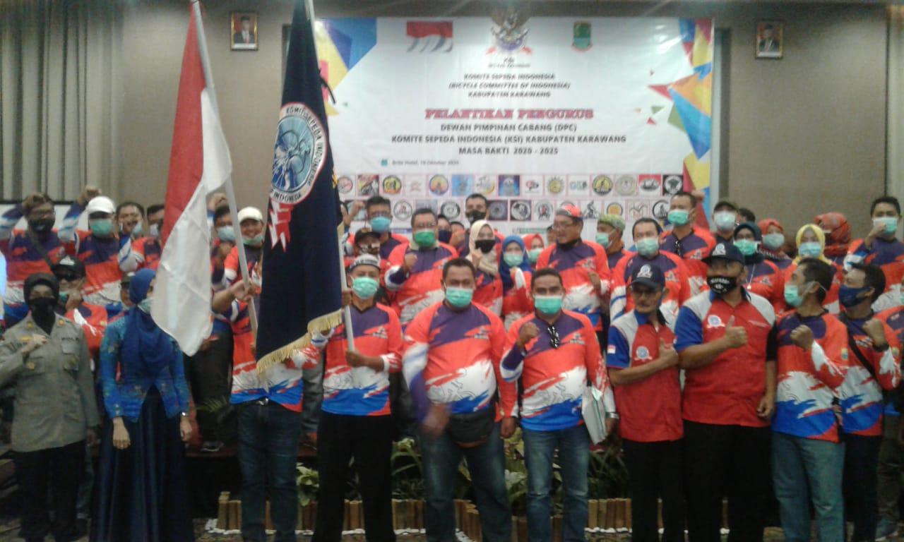 Pengurus Dewan Pimpinan Cabang Komite Sepeda Indonesia (KSI) periode 2020-2025 Kabupaten Karawang sebanyak 52 orang resmi dilantik, pelantikan itu berlangsung di Brits Hotel Karawang Minggu (18/1O/20)