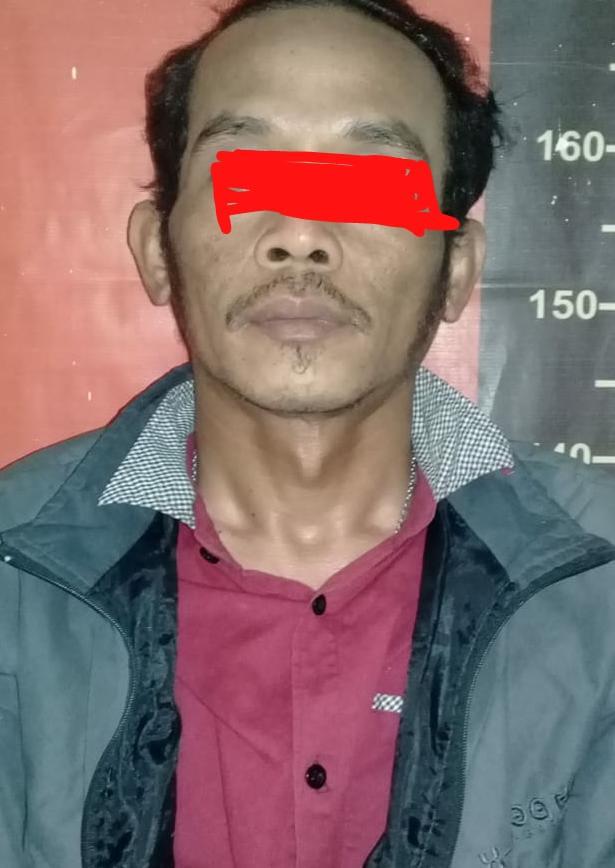 Yayan Sopyan alias Boyan (42) warga asal Karawang Kampung Krajan II Rt. 010/003 Desa. Lemah Abang Kec. Lemah Abang Kabupaten Karawang.