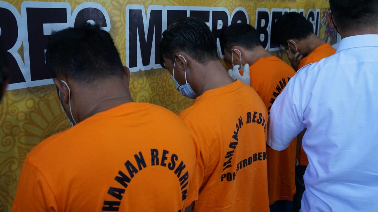 Hendra saat ungkap kasus di Mapolres Metro Bekasi, Senin (19/4/21)