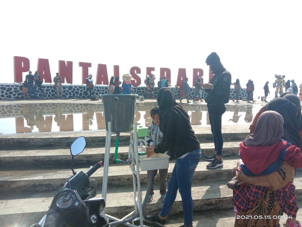Pantai Sedari Karawang