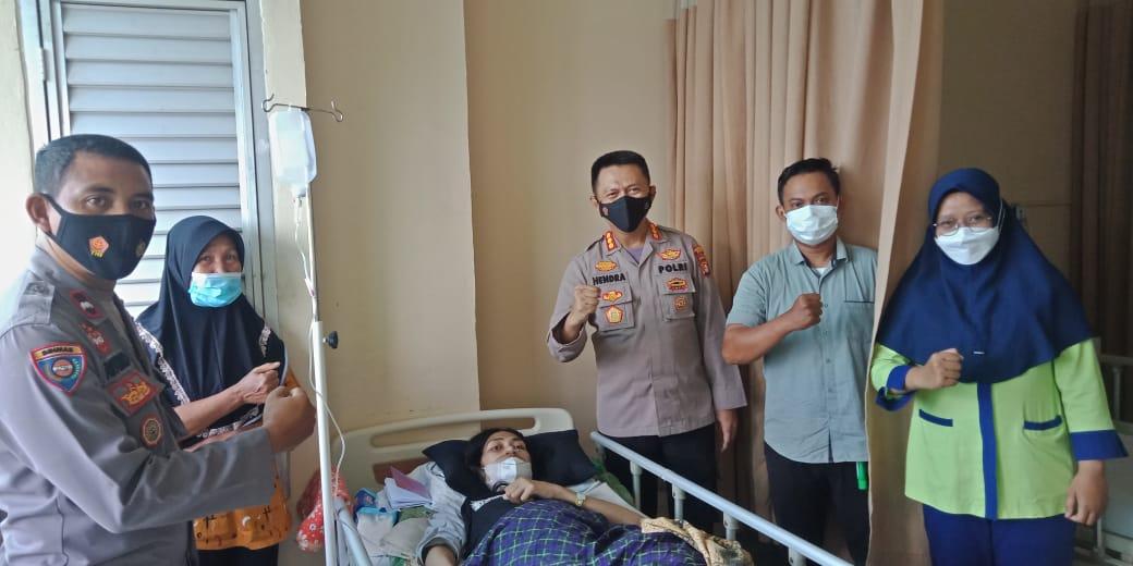 Kapolres Metro Kabupaten Bekasi Kombes Pol Hendra Gunawan  Hal itu ditegaskan saat berkunjung dan menjenguk pasien Suaib Fahri yang sedang dirawat di RSUD Kabupaten Bekasi. Minggu (30/05/21).