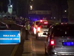 Libur Idul Adha, Ribuan Kendaraan Diputar Balik di Ruas Tol Jakarta – Cikampek KM31