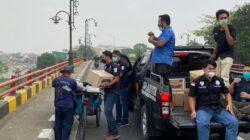 Jumat Berkah, Dua Ratus Paket Sembako Dibagikan Satreskrim Polres Metro Bekasi