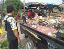 LSM GMBI Distrik Majalengka Peduli Lingkungan dengan Aksi Sosial bersihkan sampah