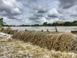 Presiden Jokowi Perintahkan Perbaikan Tanggul Citarum, BBWSC Malah Ngeyel