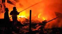 60 Kios Pedagang di Pasar Kalideres Jakbar Ludes Terbakar